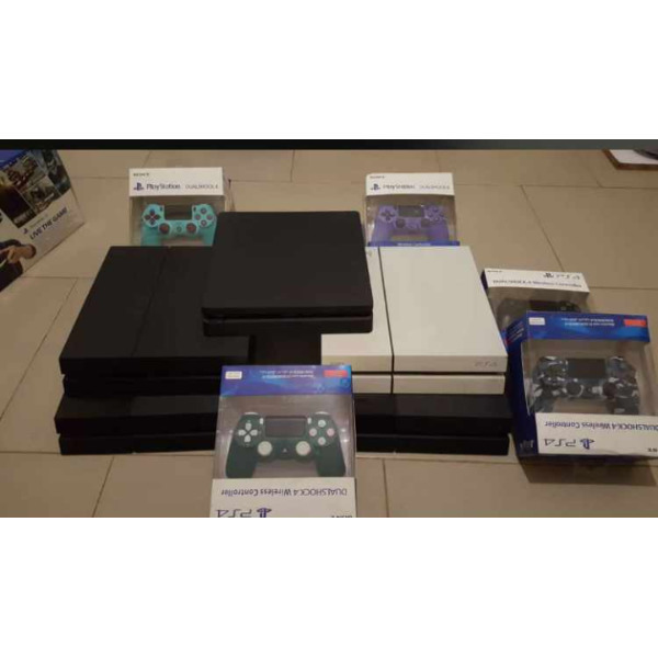 PS4 controllers - 2/2