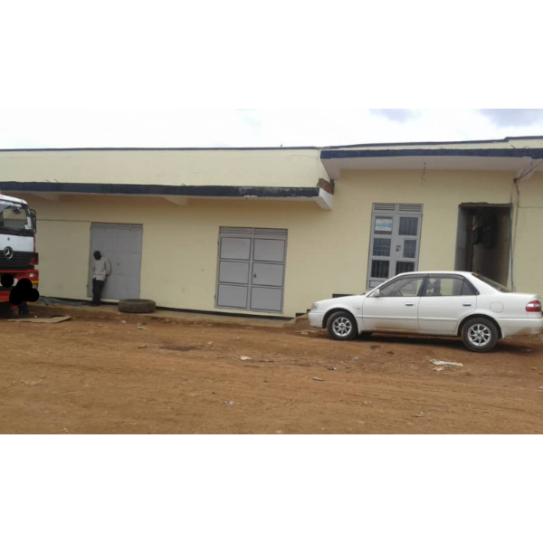 WORKSHOP SPACES FOR RENT IN KAZINGA BWEYOGERERE-NAMANVE - 2/5