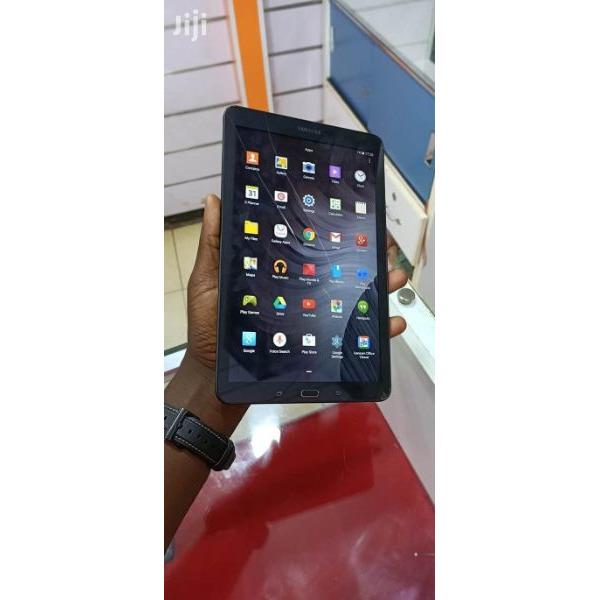 Uk used Samsung galaxy tab E wifi 8gb internal memory 1gb ram with minor cracks  Call 0702224313 / 0 - 1/5