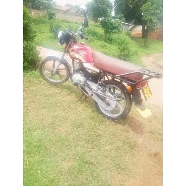 TVs kiwagi motorcycle - 1/3
