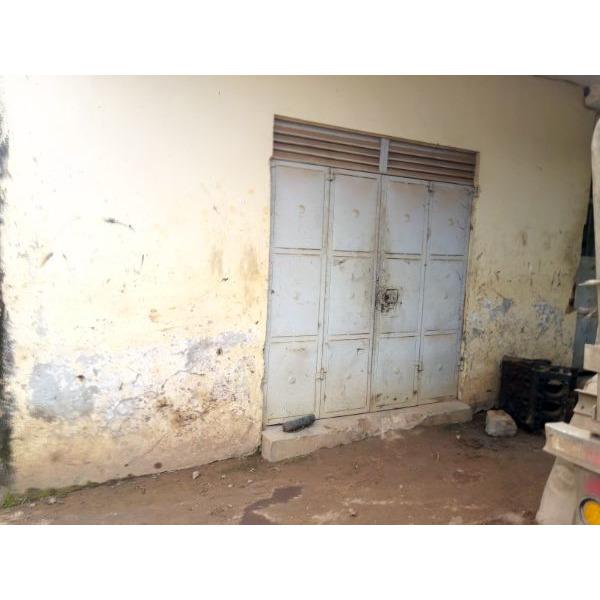 Workshop Spaces for Rent in Bweyogerere Namanve Area - 3/5