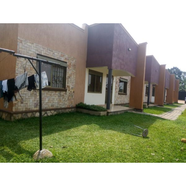 New two bedroom house in lower Buwate Kira - 2/5