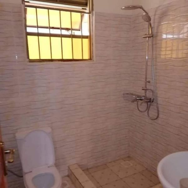 New two bedroom house in lower Buwate Kira - 5/5
