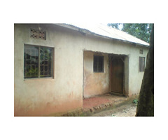 Two bedroom house on sell in ndejje aoden Entebbe road
