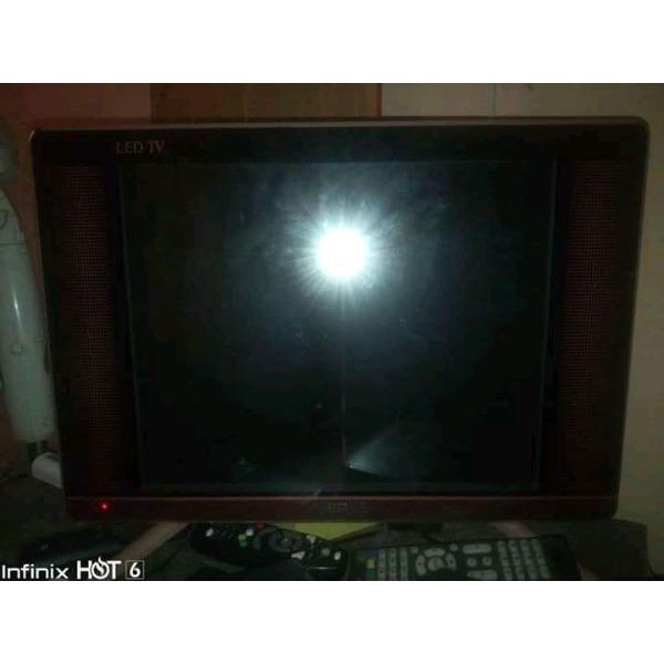 Samsung 19 ich flat screen tv - 2/3