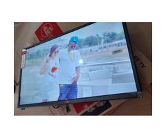 LG 32 Digital Flat Screen for sale