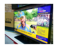 """Samsung Flat Screen TV 40"""" for sale"""