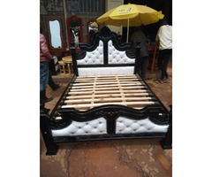 5by6 leather black and white bed