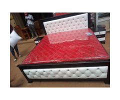 Leather bed in 6by6