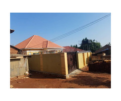 House on sell in Kawuku Entebbe road