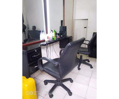 Good will saloon for sale in bweyogere