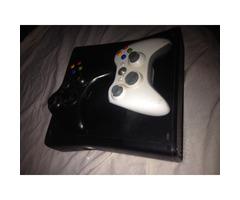 Xbox 360 plus controllers