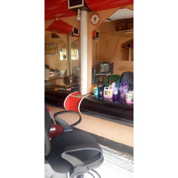 A salon on sell in ndejje termac road - 1/1