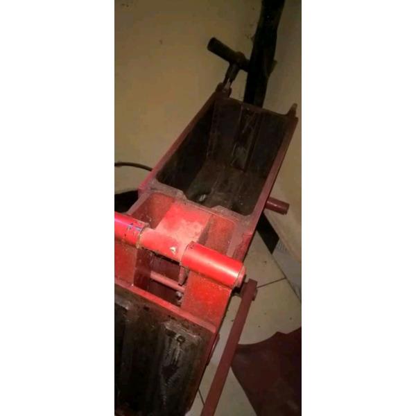Interlocking brok machine - 2/3