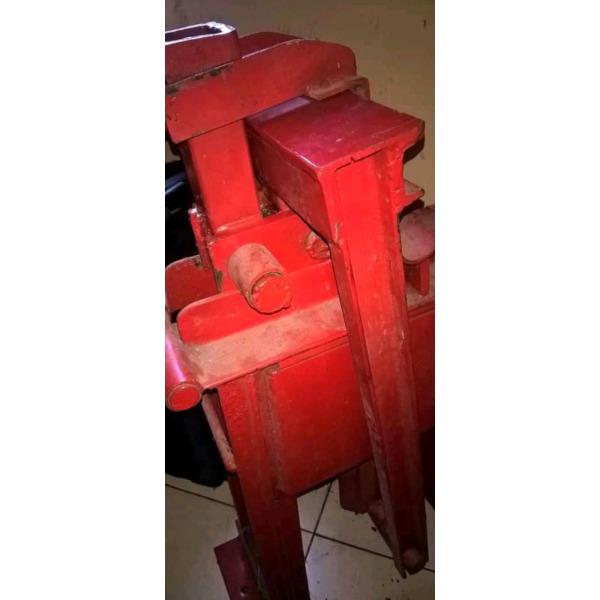 Interlocking brok machine - 3/3