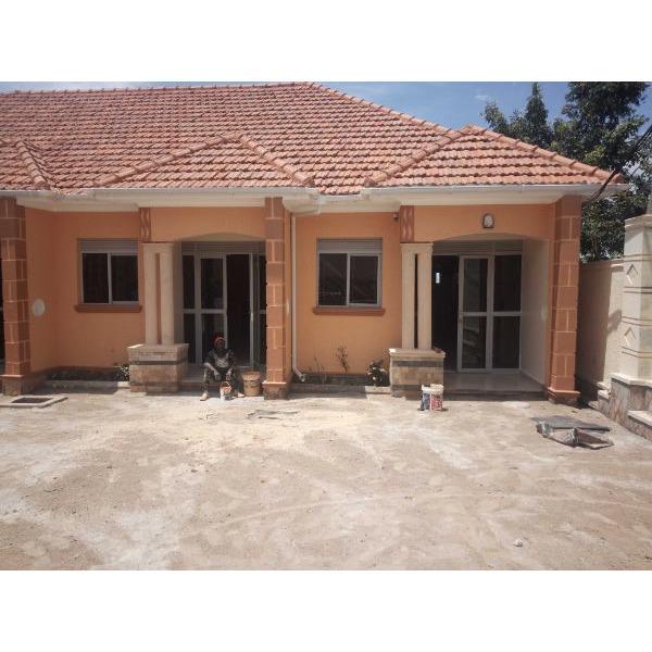 Bukoto double room for rent - 1/5