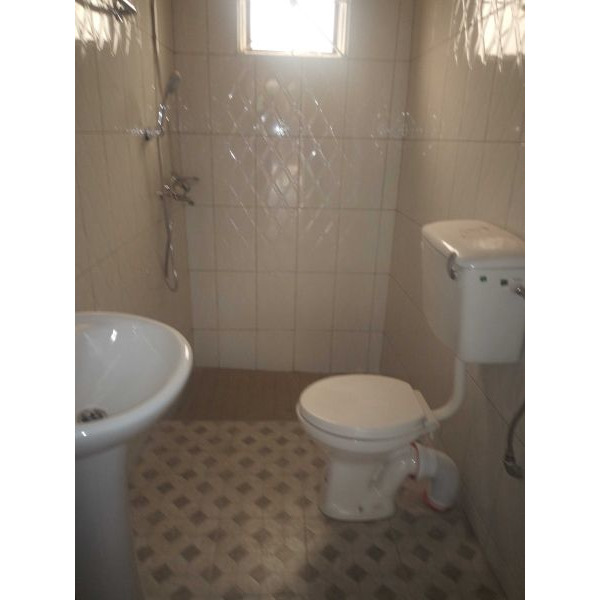 Bukoto double room for rent - 5/5