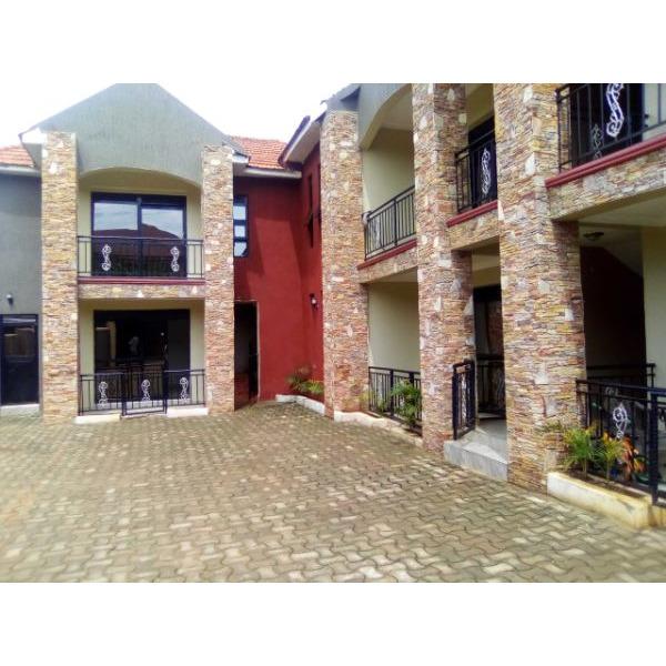 Bukoto double room for rent - 1/4