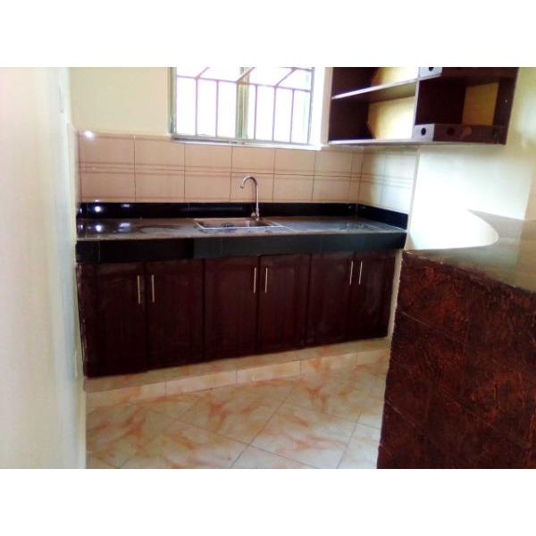 Bukoto double room for rent - 3/4