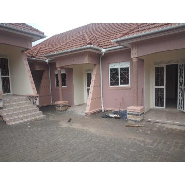 Kiwatule double room for rent - 1/5