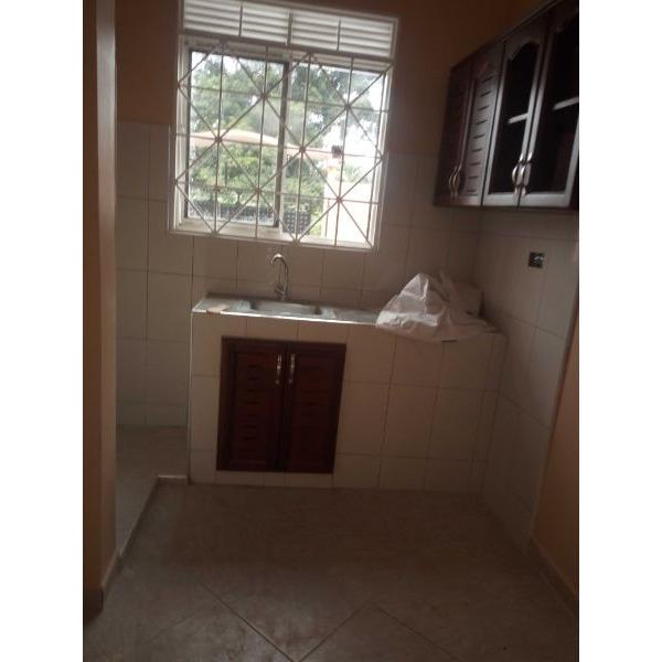 Kiwatule double room for rent - 5/5