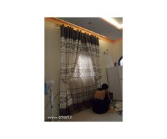 Curtais and curtain rods