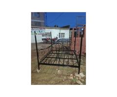 Metallic bed 5*6