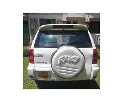 Toyota RAV4 2001 White