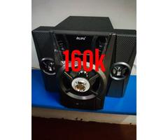 Alipu with 2 speakers